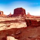 ナバホ族運営モニュメントバレージープツアー